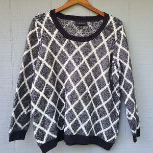 Lane Bryant 14/16 Black White Sweater Eyelash
